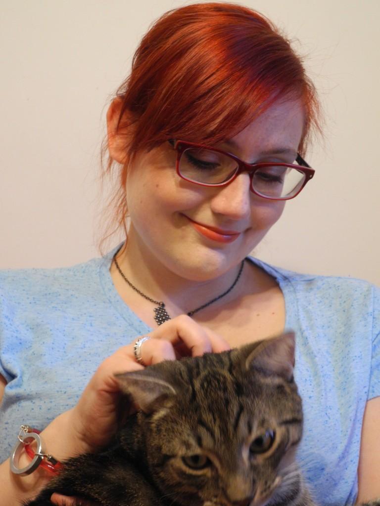 Kot Karmel uznał, że to on jest bohaterem tego postu. Weź dyskutuj z sześcioma kilogramami egotycznego futra.