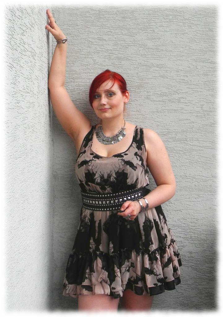 Jestę Balkonową Uwodzicielką. Agrrresywną Seksualnie (Wrau!)
